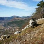 The descent to Lanišće village